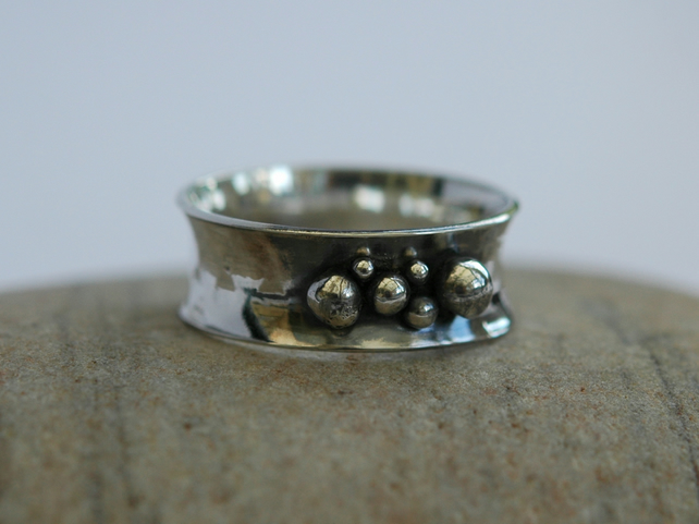 Hammered Sterling Silver Ring with Silver Granulations, size V, Hallmarked, R109