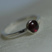 Sterling Silver Stacking Ring with Garnet Gemstone, Hallmarked,  size N,  R103A