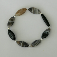 Stretch Bracelet in Sterling Silver and Botswana Agate