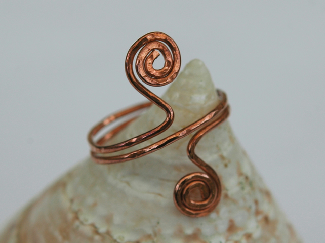 Hammered Copper Ring with two spirals, size Q,  R30B