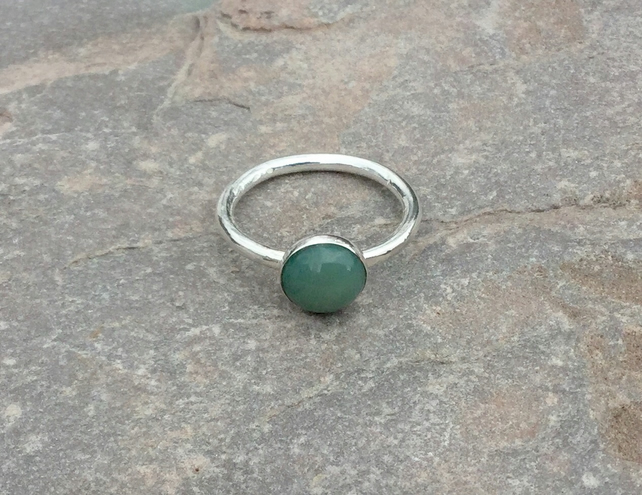 Sterling Silver Ring with Green Agate Gemstone, size N,  R127B