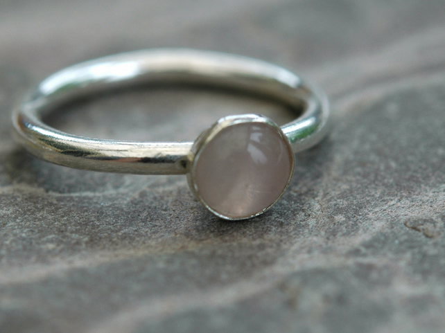 Rose Quartz and Sterling Silver Ring,  Hallmarked,  size M,  R111