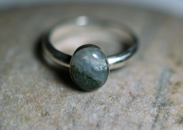 Silver Ring with Green Moss Agate Gemstone, size Q-R, Hallmarked