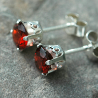 Faceted Garnet and Sterling Silver Stud Earrings. January birthstone.