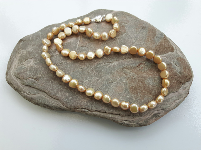 Freshwater Pearl Necklace, Gold, with Sterling Silver Heart Clasp