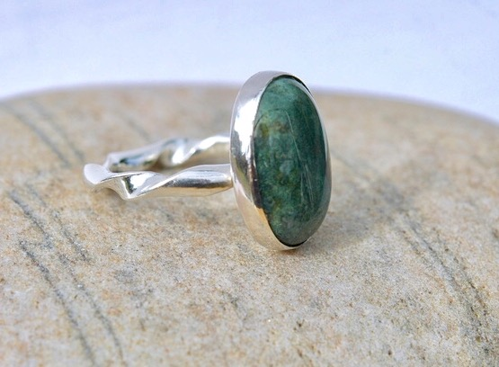 Sterling Silver Ring with Green Moss Agate Gemstone, size O, Hallmarked.