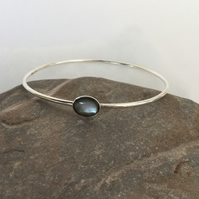 Silver Bangle with Black Lipped Pearl