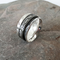 Silver Spinner Ring with Leaf-Patterned Spinner, size M