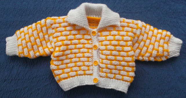 Bright and beautiful, cosy cardigan - jacket in gold and white. 3-6 months