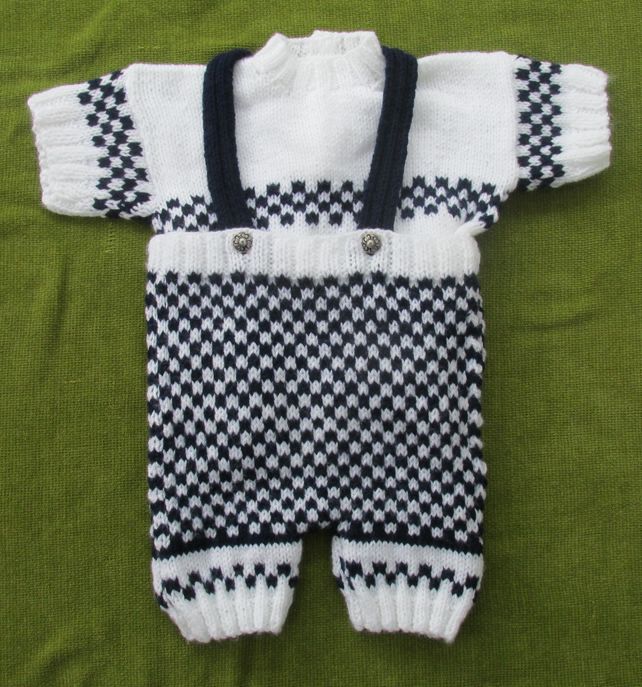 Striking Navy & White Knitted Shorts Set  for 9-18 months.