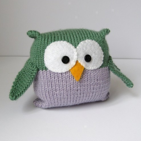 Tooley Owl pdf knitting pattern for beginners from fluff and fuzz