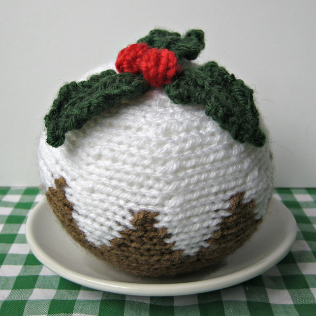 Knitted Christmas Pudding Pattern Free : Christmas Pudding knitting pattern pdf - Folksy