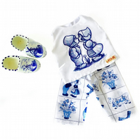 Delft blue blouse and cropped trousers