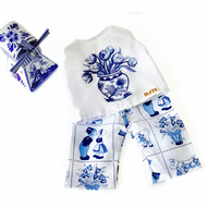 Delft blue tulips top and cropped trousers