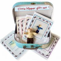 Little Nipper gift set - 6 books and a mouse