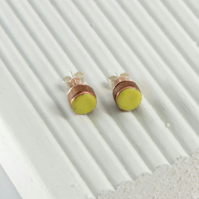 Spring green enamel and wood stud earring