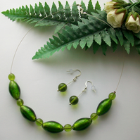 'Dewy Meadow' Green glass jewellery set. Necklace and earrings. Venetian Glass