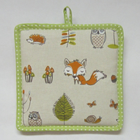SALE Woodland Life Padded Pot Holder