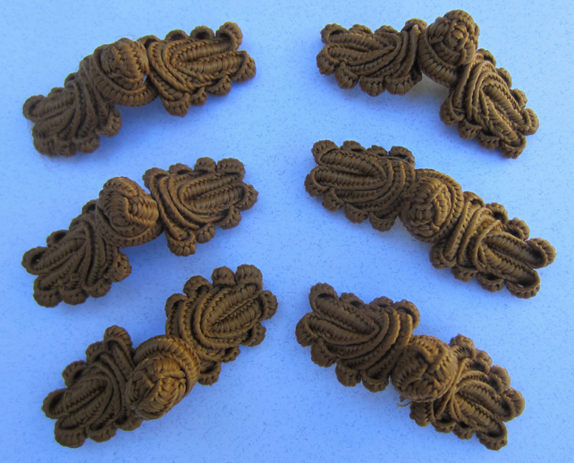 6 Golden Brown Braid Frog Fasteners