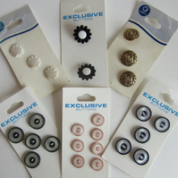 Selection of 6 Cards of Buttons