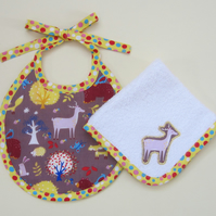 First Size Woodland Animals Babies Bib and Dribble Cloth Set