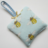 Hanging Bee Lavender Bag
