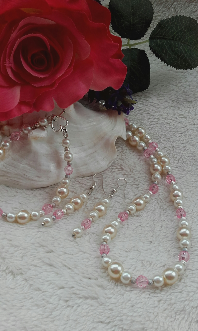 Pearl and rose crystal necklace, bracelet & earrings trio