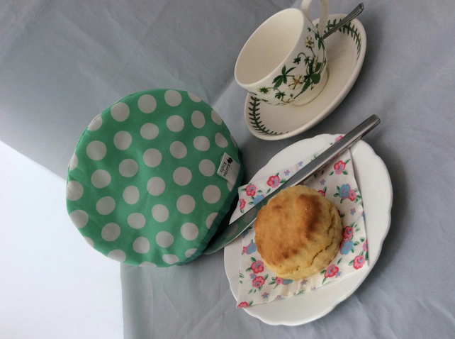 Tea Cosy for One - Green and White Spotty