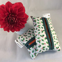 Pocket Tissue Holder - Holly Leaves