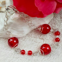 Red Crackle Bead Bracelet