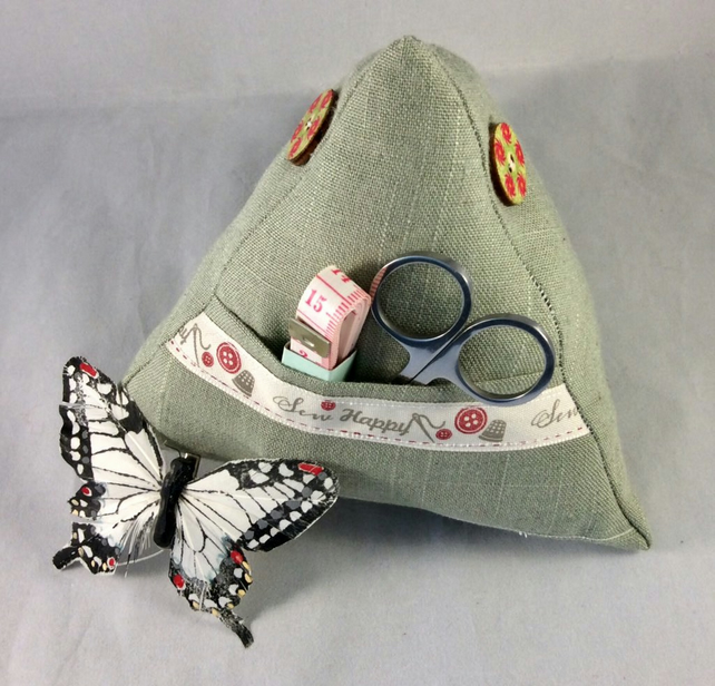 Pyramid Pin Cushion with accessories