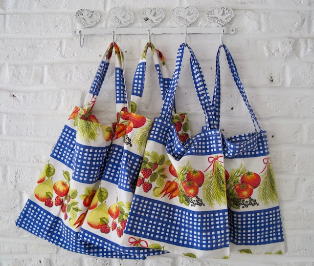 Handmade Recycled Vintage Kitchen Curtains Bag (Large)