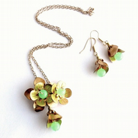 Vintage brass necklace and earrings with sea foam beads