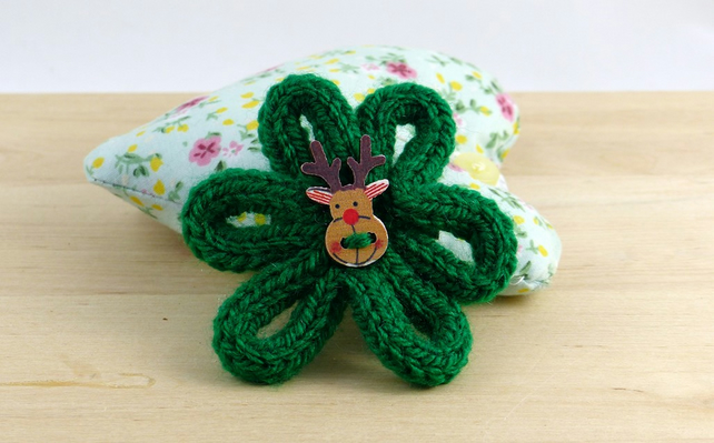Knitted Christmas Brooch