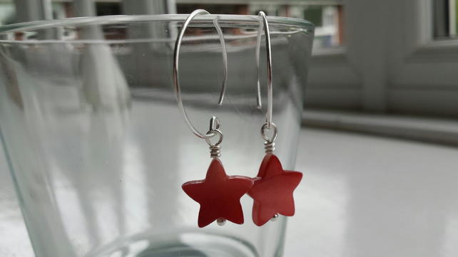 Red Shell Star and Hoop Earrings