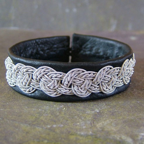 Sami Style Leather Bracelet with Pewter Celtic Knot