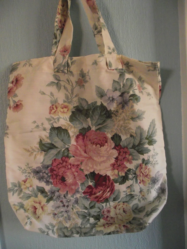 lightweight shopping bag, roses and other flowers