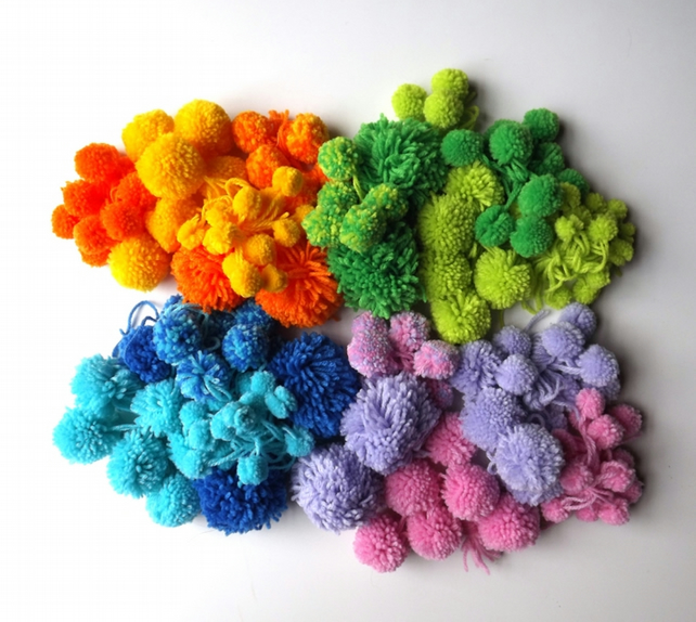Multiple pompom making starter kits