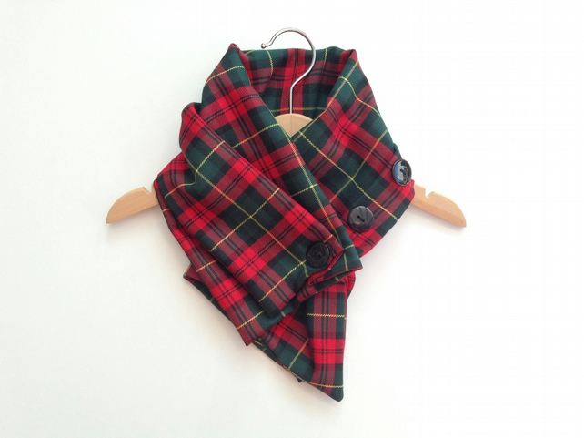 About Our Baby and Toddler We stock a range of Scottish tartan accessories for babies and toddlers such as novelty childrens tartan bibs and booties. Our kids Scottish themed clothing items are a great way of making sure your kids are dressed for those special Scottish events.