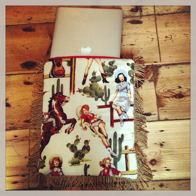 PIN UP COWGIRL VINTAGE 50'S INSPIRED HANDMADE FRINGED LAPTOP CASE