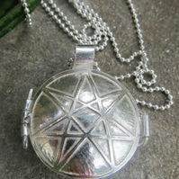 Seven Point Faerie Star Locket