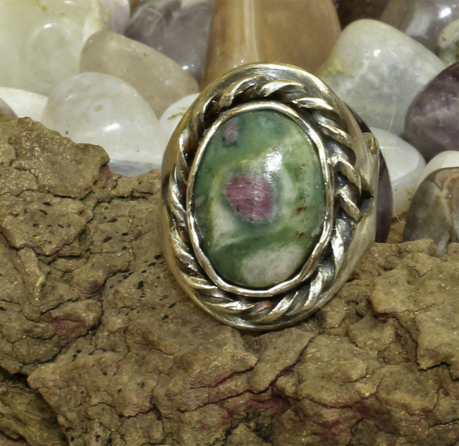 Silver Ring - Handmade Silver & Ruby Fuschite stone - Viking Style