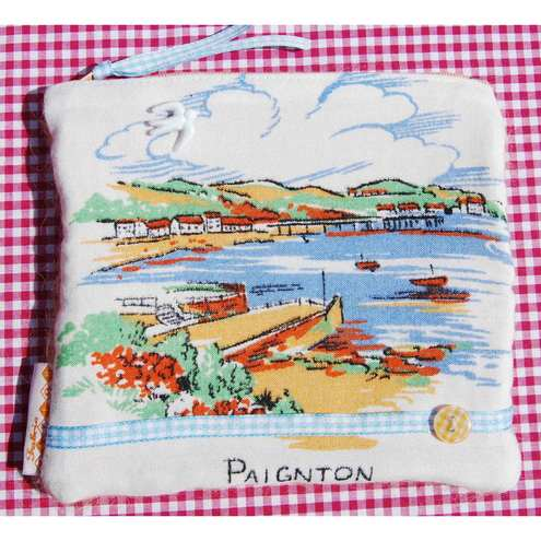 Seaside purse