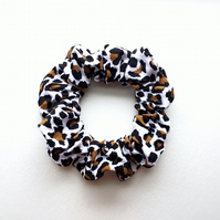 Good quality animal print design fabric hair scrunchies. Made in U.K