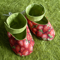 Cute Strawberry Girls Shoes