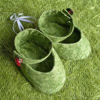 Grass Shoes with Ladybird buttons