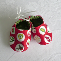 Red Christmas baby shoes