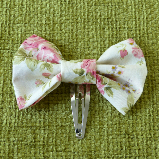 Pale Pink Rosebud Hair Bow