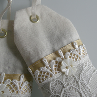 Hanging Cream Lace 'Tea Bag' Lavender bag