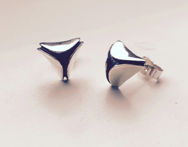 silver and oxidised triangular shaped stud earring